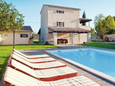 Photo for Kanfanar villa with private pool, Wifi and guest house, near Rovinj