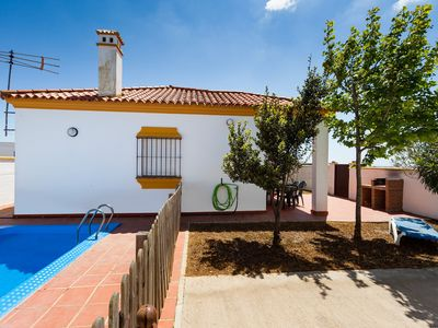 Photo for Charming holiday home with pool - Chalet Bellavista