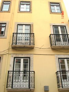 Photo for Charm and comfort in the heart of Lisbon, animation, history, food, Fado