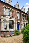 A wonderful original and central Cambridge house