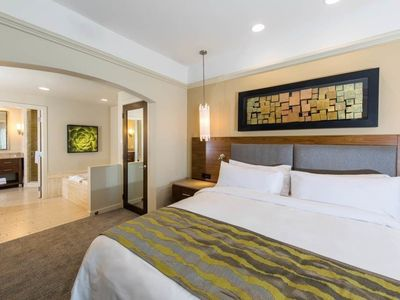 Photo for Coachella 2019 - Marriott Villa II - 1 King Bed with Sofa bed - Palm Desert