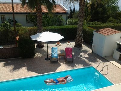 Stunning 2 bedroom detached villa with private pool and sea views - free wi-fi