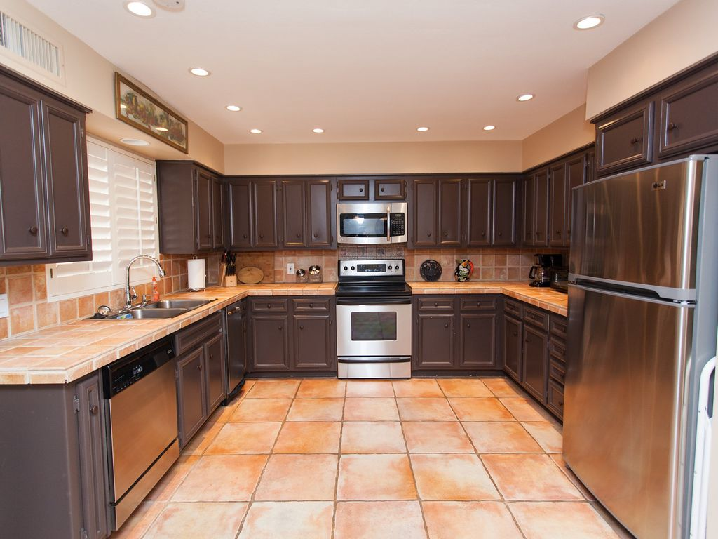 two master suites beautiful decor mccormi vrbo spacious kitchen with stainless appliances