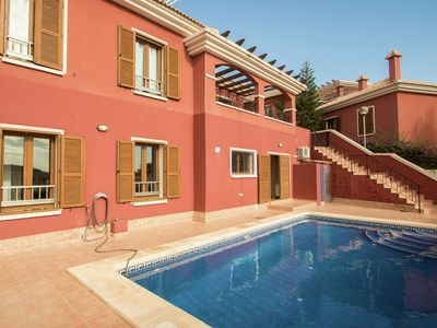 Photo for Modern holiday home with private swimming pool only 10 minutes away from Benidorm