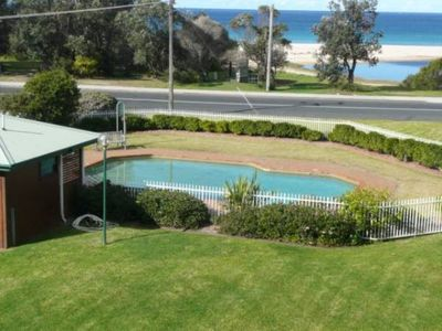 Photo for Fathoms 14 - 14/1A Mitchell Pde pool, tennis court & ALL LINEN SUPPLIED