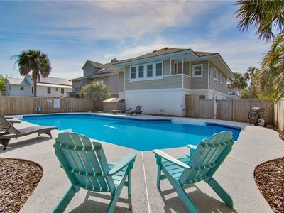 Photo for Across From The Beach- Private Sunroom, Fenced Yard & Private Pool!