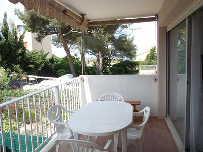 Photo for Studio + sleeping area with small sea view near Sanary