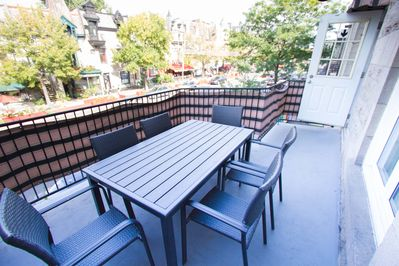 Your own sunny patio, with BBQ!