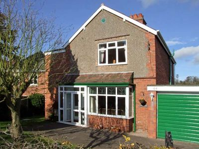 Photo for LONINGSIDE, family friendly, with a garden in Wombourne, Ref 9195