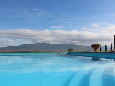 Photo for 2 bedroom Villa, sleeps 4 in Cortona with Pool, Air Con and WiFi