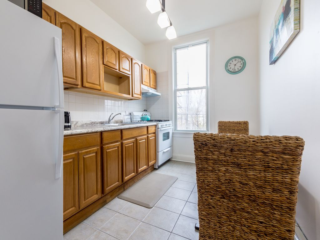 Fully Furnished 3 Bedroom Apartment Minimum Of 1 Month For Reservations Brooklyn New York