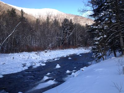 Beautiful in winter! Close to ski centers or use the snowshoes we provide