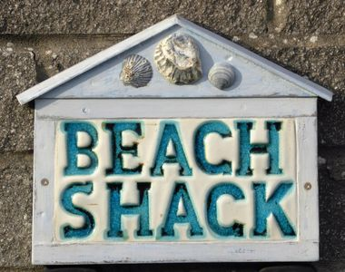 """""""The Beach Shack"""" Beachy chic! WiFi, bedding and towels all included in the  cost - Lamphey"""