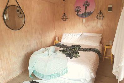 Double bed with modern decor