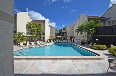 Photo for Affordable Ground Floor Siesta Key Vacation Rental with Heated Pool Access