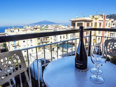 Photo for Appartamento Veva A: A welcoming apartment located in the center of Sorrento, with Free WI-FI.