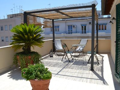 Photo for Etoile Suite, penthouse in the center of Rome, above Trastevere