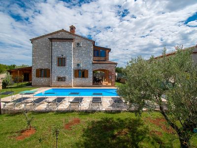 Photo for Rustic Villa Ena with private pool, garden, and parking for up to 10 persons