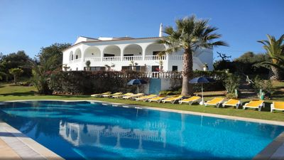 Photo for Beautiful villa with 9 bedrooms and 7 bathrooms, accommodating  20 persons.