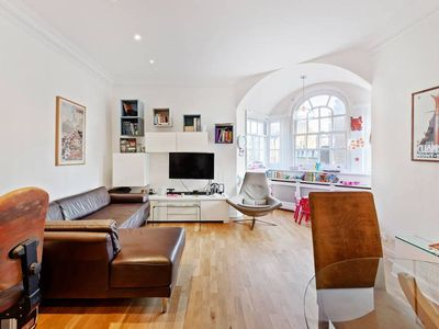Photo for Luminous Central 2Bed in Marylebone near Tube