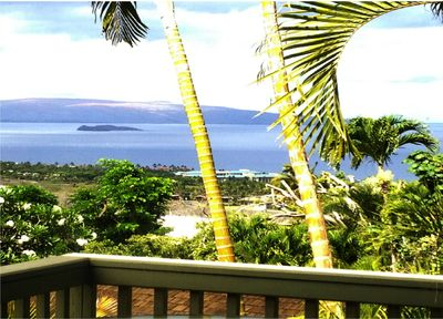 OCEAN VIEW FROM LIVING ROOM AND LANAI.
