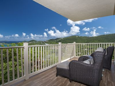 Amazing hilltop views. Lower price available for longer stays. D6