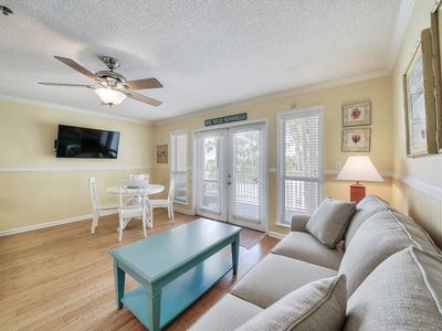 Photo for Charming, coastal unit, Beach setup included, Short drive to dining