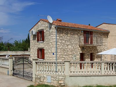 Photo for Holiday home for sole use with 2 bedrooms, air conditioning, 2 bathrooms and only 400 meters to the Cape Kamenjak