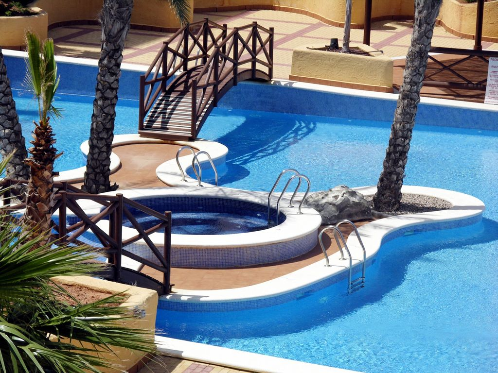 Sea and pool view apartment, indoor/outdoor pools, free wifi ...