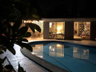 North Miami Beach villa with pool & grill. Ideal for families! Minutes to beach!