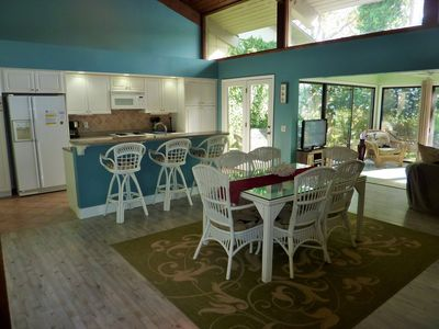 Photo for Seapines,3/bed 2/bath,short walk to beach,free WIFI,Bikes,Tennis,Golf view