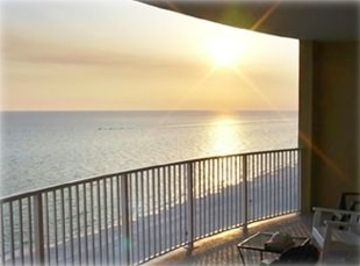 Twin Palms--Luxurious, Beachfront Condo--Exlarge Balcony