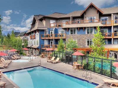 Photo for Spacious Deluxe Mountain Escape | Private Balcony + 2 Hot Tubs and Pool!