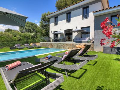 Photo for Luxury South Facing Villa with Heated Pool & Air Con, Close to Biot and Valbonne