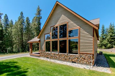 Elk Ridge Chalet - Elk Ridge Chalet during the Summer.  The most private lot in Roslyn Ridge!