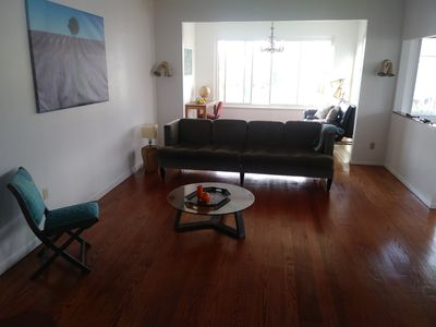 Photo for Spacious Charmer East Bay Home for up to 11 people. 寬大迷你风格