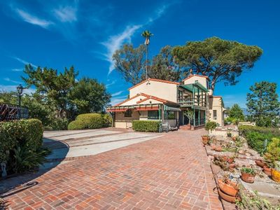 Photo for Hollywood Hills villa with a spectacular view