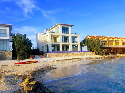 6 Bed/5 Bath Beachfront Villa With Infinity Pool Overlooking The Caribbean