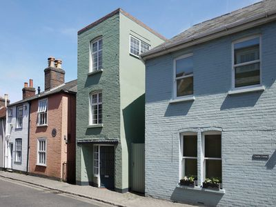 Photo for 1 bedroom accommodation in Lymington