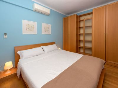 Photo for Apartment in Barcelona with Lift, Internet, Washing machine, Air conditioning (140683)