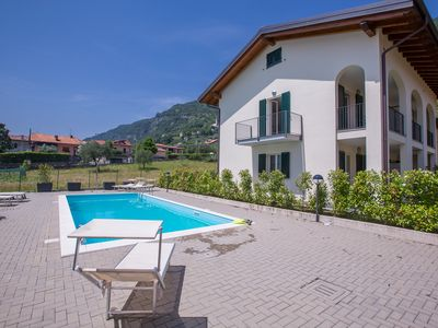 Photo for Residence La Mimosa apt. Due, Lenno, Italy