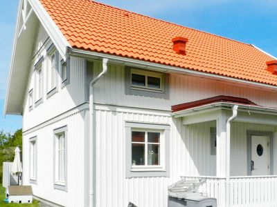 Photo for 8 person holiday home in FISKEBÄCKSKIL