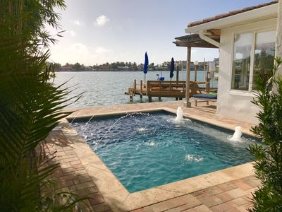 Fine Waterfront Living . Steps to Beach