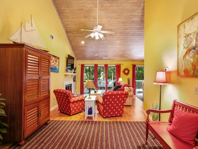 Photo for Fun, Fresh & Airy Home with Private Spa, Community Pool & Tennis located in the center of Sea Pines.