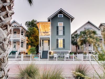 Photo for Charleston-style cottage right near beach with access to shared pools!