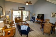 Perfect 2bed/2bath unit close to the beach overlooking the pool, VLP 97