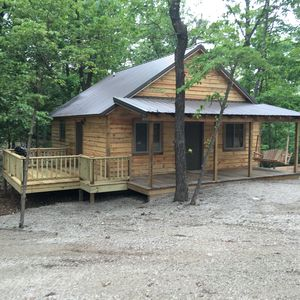 Photo for Fall Creek Cabins family friendly 1 mile from Lake Norfork and Mountain Home Ar.