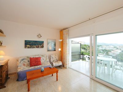 Photo for Apartment in Llançà with Washing machine, Air conditioning, Terrace (88041)