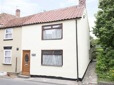 Photo for 1 LEAD LANE, pet friendly, with open fire in Brompton, Ref 952427