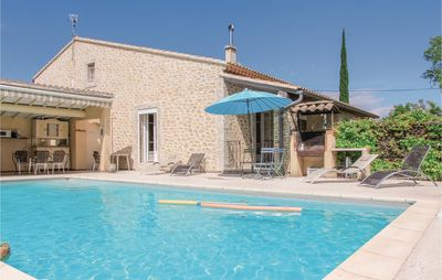 Photo for 4 bedroom accommodation in l'Isle sur Sorgue